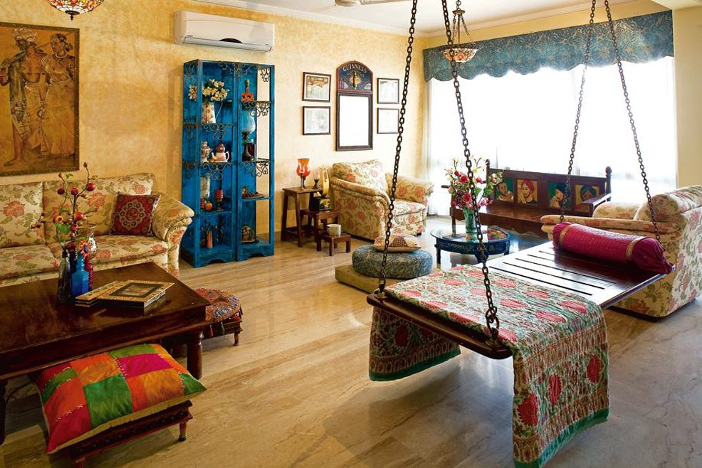 Artistic antique decor for a classic touch for Bharatiya baithak designs living room