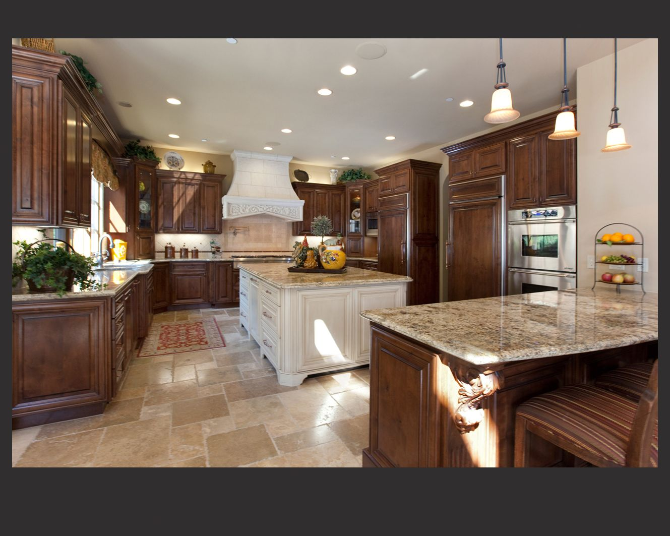 Magnificent kitchen designs with dark cabinets for Dark kitchen cabinets light island
