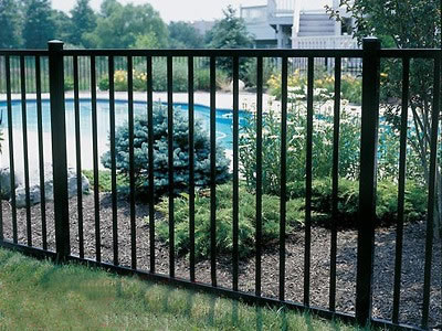 Secured metal fencing for gardens for Garden fencing ideas metal
