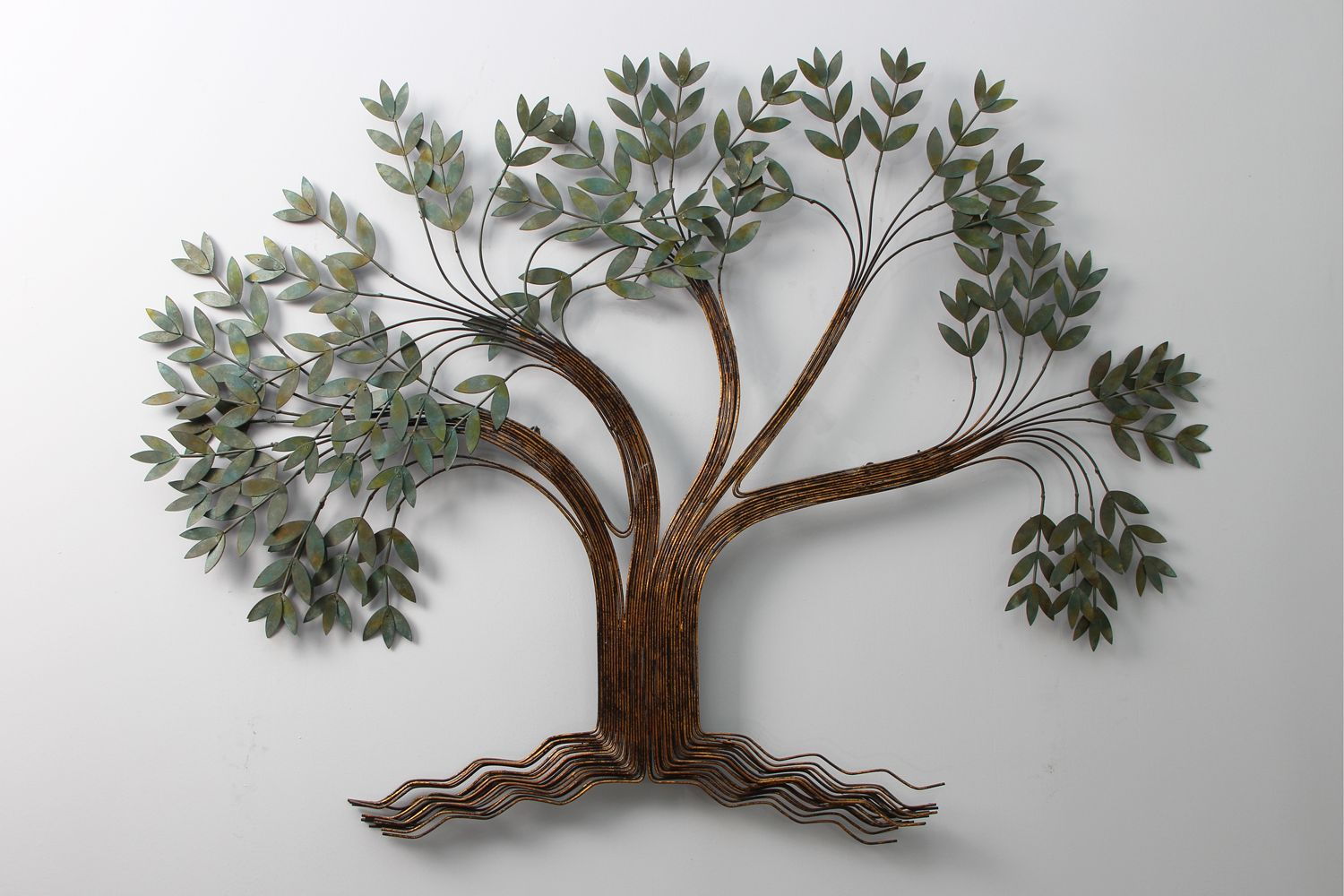 Decoration for your home interior with stunning tree for Deco murale metal