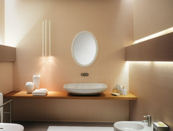 4-Oval-bathroom-mirror-600x453