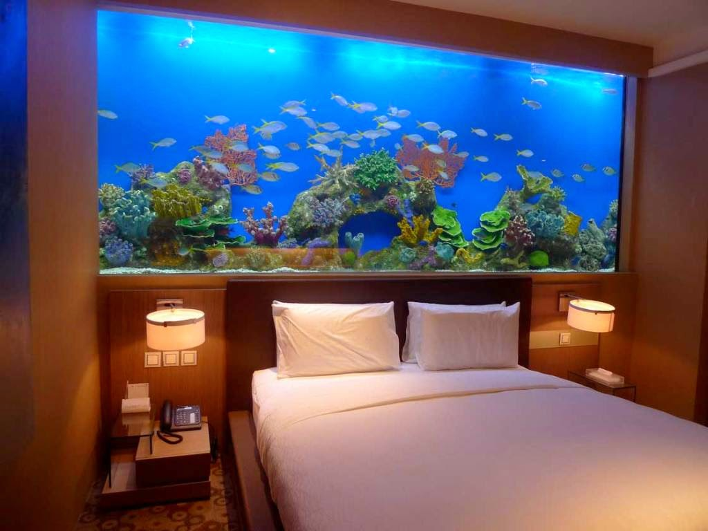 Beautiful home aquarium design ideas - Fish tank dining room table ...