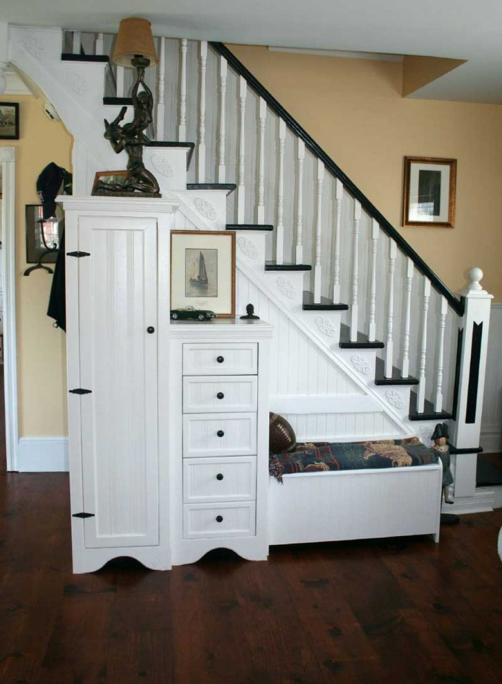 Creative ideas for maximizing space under the stairs for Under the stairs cabinet
