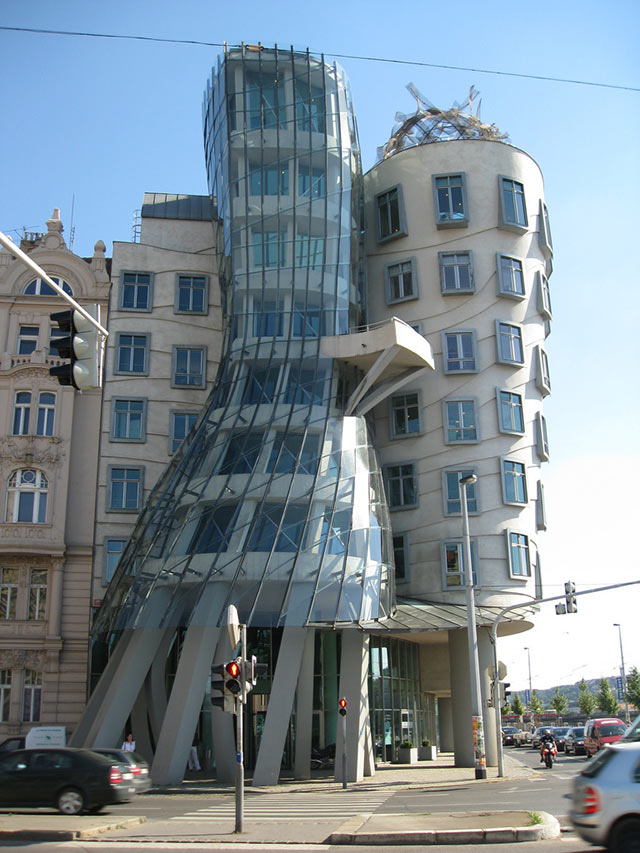 40 Strange And Fantastic Building Architecture