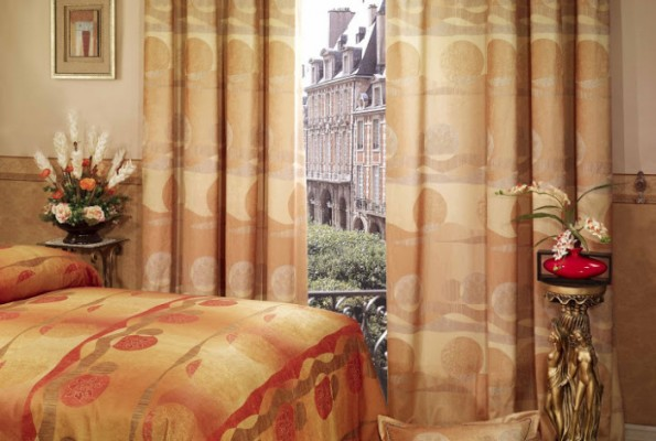 Curtains – Fabric, tips and designs.