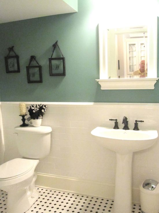 15 half painted wall decor ideas for Bathroom decor green walls