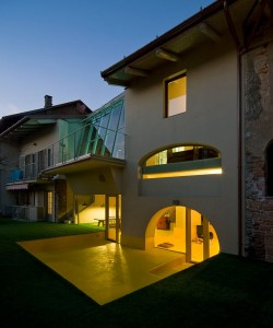 Amazing-House-In-Mathi-Exterior-Design-With-Modern-Home-Decoration-Ideas-With-Incredible-Luxury-Villa-Design-Satisfactory-Concept