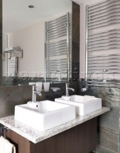 Amazing-Luxury-Bathroom-With-Modern-Bathroom-Sinks-Idea-In-2-Design-With-Mirror-