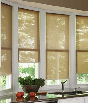 Awesome-Chic-And-Beautiful-Kitchen-Window-Decorating-Ideas-In-Wooden-Window-Blind-Design-