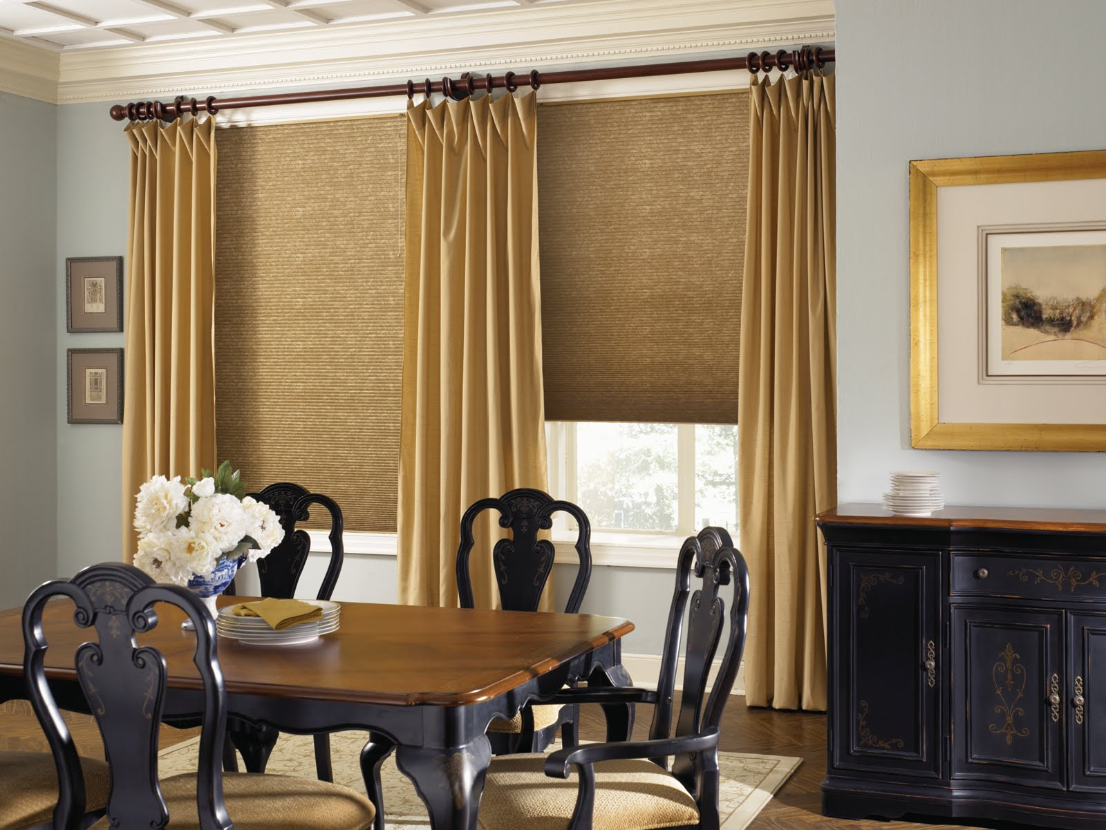 How to use contemporary curtains in your home decor for Curtains dining room ideas