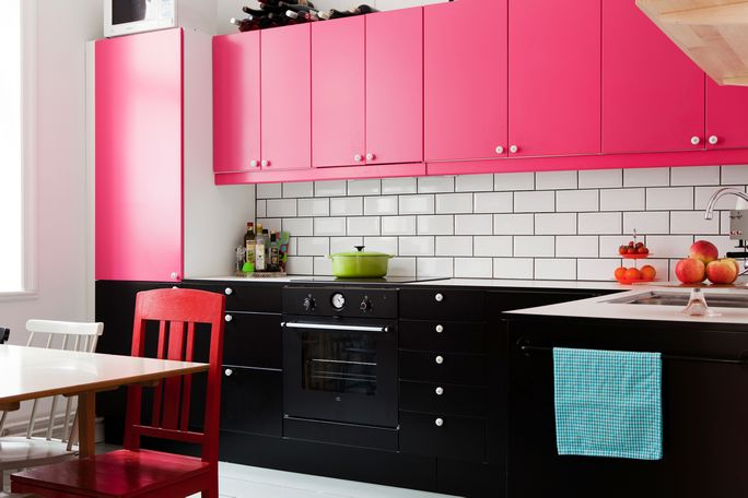 Cabinets Colors When Played In A Contrast Mood With The Color Combination Of Kitchen Walls They Surprisingly Come Out Flying Touch Design