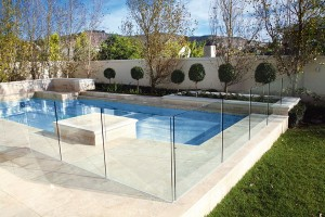 Swimming-Pool-Fence-Glass-Ideas-With-Cool-And-Beautiful-Design-Swimming-Pool-With-Fence-Surrounding-Decor