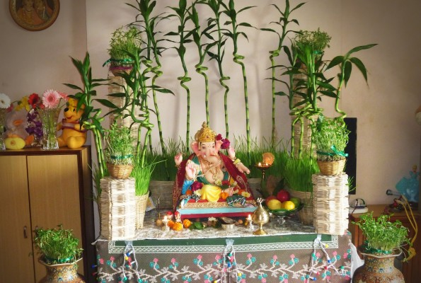 Ganesh chaturthi decoration ideas for home for Background decoration for ganpati