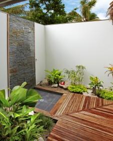Splendid Bathroom Design For Nature Lovers
