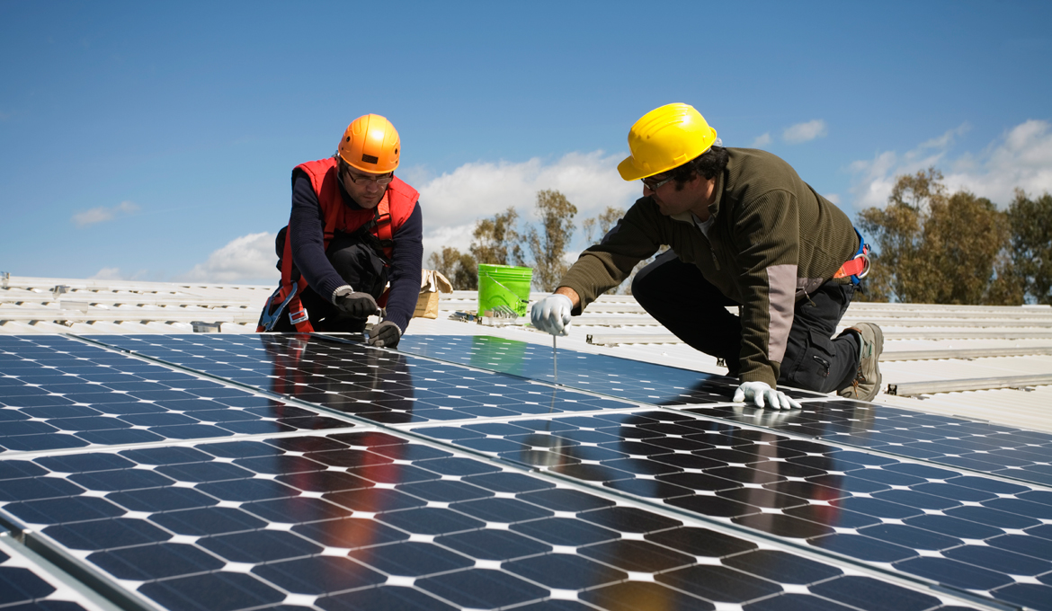 3 of the top ways to save money on solar installation