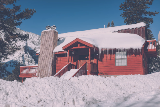 How to Prepare Your Roof for Winter Snowstorms