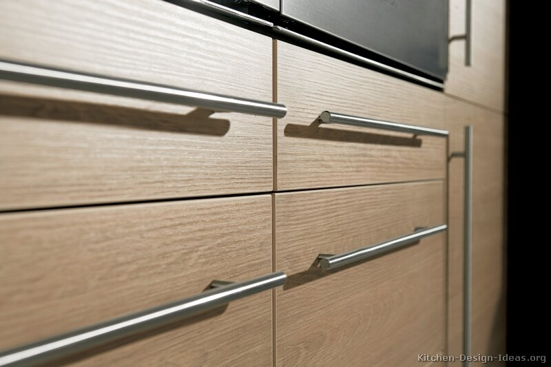 Tips On Choosing Kitchen Cabinet Handles