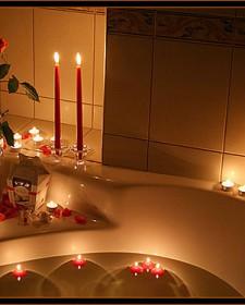 Beautiful Bathroom With Elegant Candles
