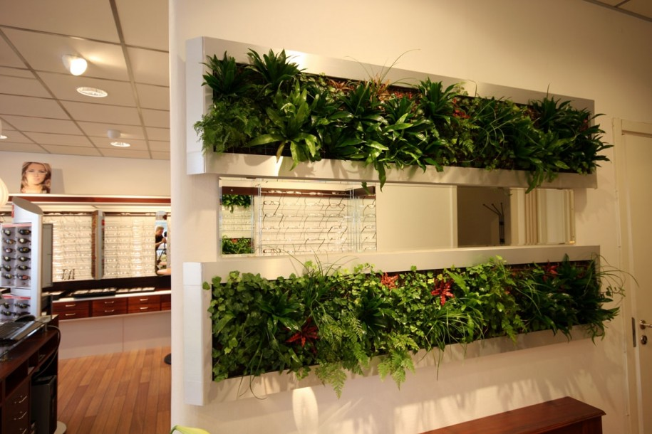 Eco Friendly Ideas With Vertical Plants For Modern