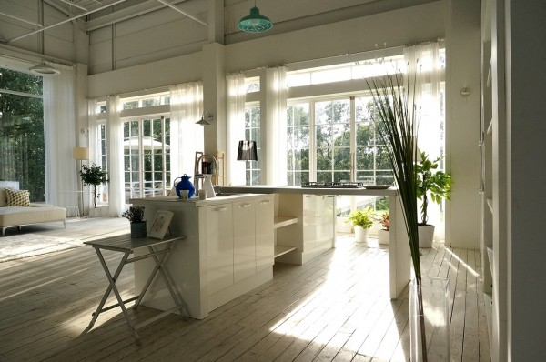 farm-inspired-kitchen-600x398