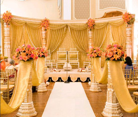 Big fat indian wedding decors and design punjabi themes punjabi weddings are colorful and lively they are a fusion of majestic elements with lots of hanging flower work and shimmer junglespirit