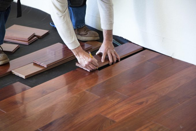 interior-5-best-flooring-for-dogs-with-hardwood-flooring-and-pet-scratches-on-hardwood-floors-also-dog-pee-laminate-floor-for-your-interior-home-ideas-modern-interior-home-ideas-580x453