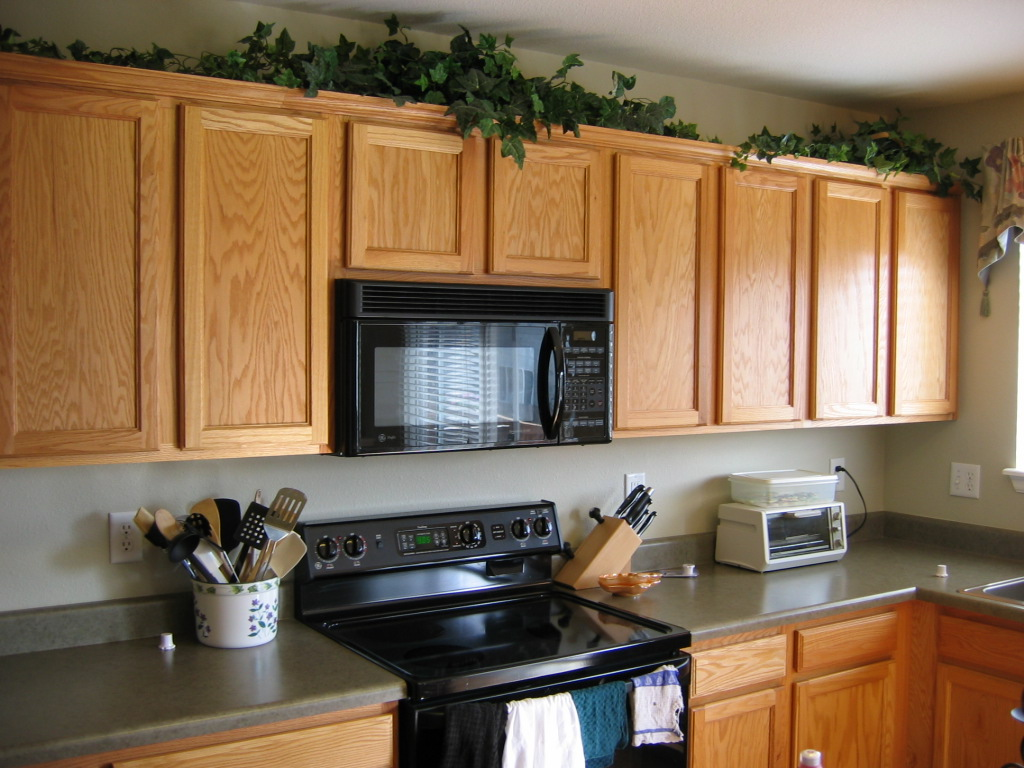 Beautiful kitchen cabinets for How to decorate a kitchen counter