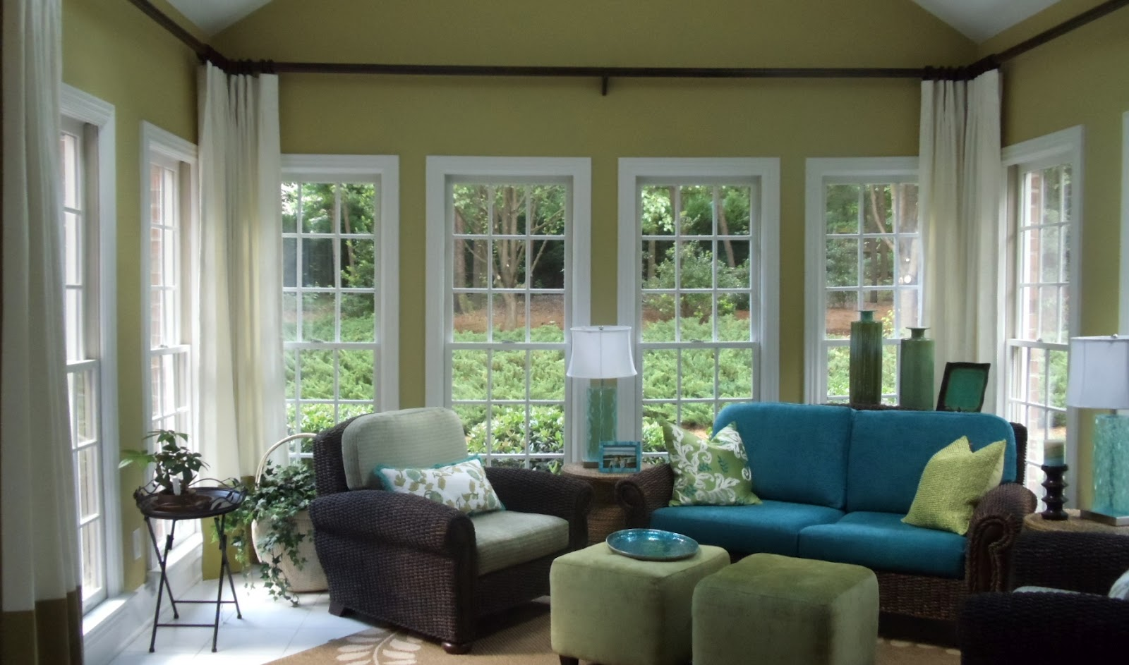 Window Treatments For Bay Windows In Family Room