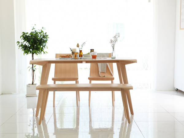natural-wood-dining-table-600x450