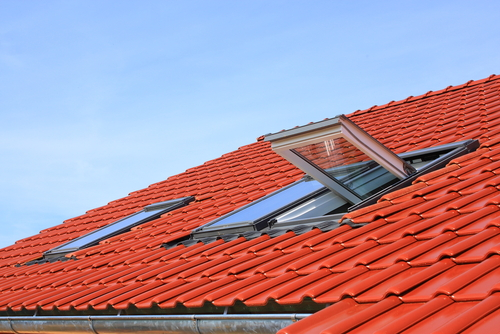 Benefits Of Hiring A Roofing Window Repair Contractor IL