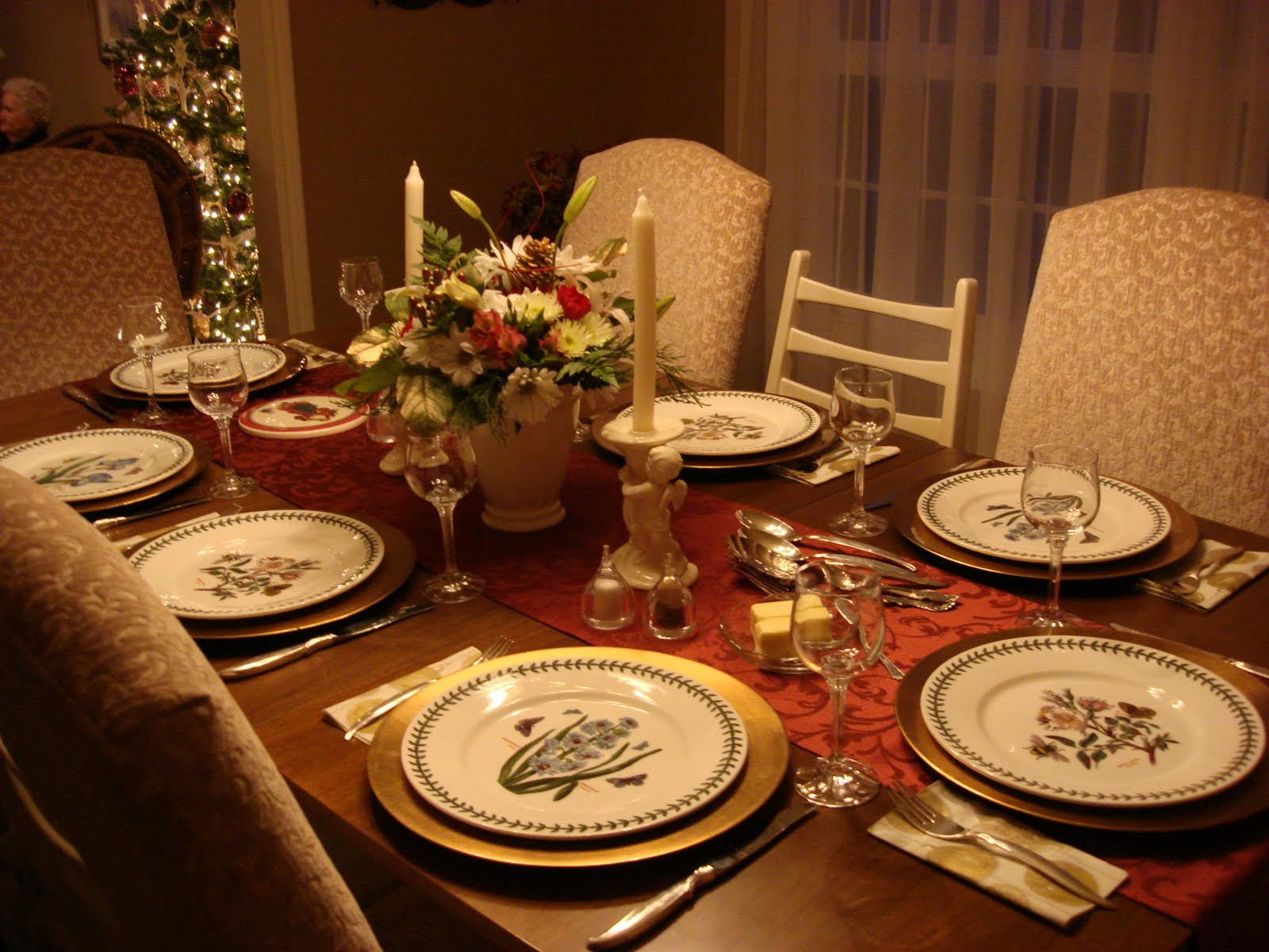 Dining table decorating ideas Christmas decorations for the dinner table