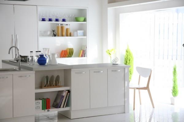 super-sunny-kitchen-600x399