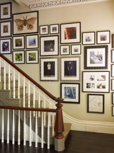 traditional-staircase-picture-idea-for-hall-or-family-room-gallery-wall-to-hold-all-of-your-favorites-at-once