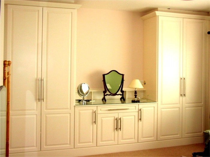 wardrobes-cupboards-dressing-table