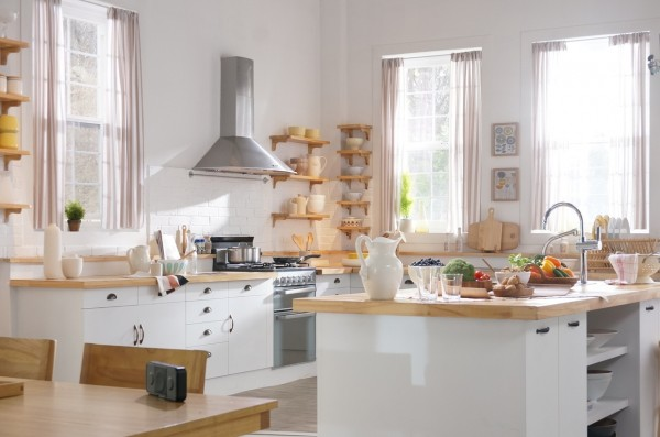 white-and-wood-kitchen-600x397