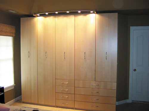 Wardrobe lighting ideas - Bedroom cabinets design ideas ...