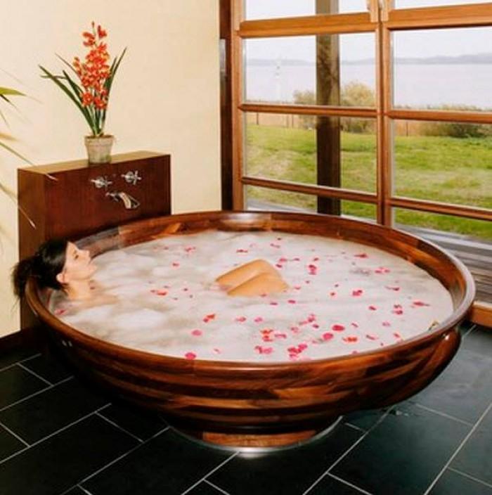 Romantic & Luxury Baths