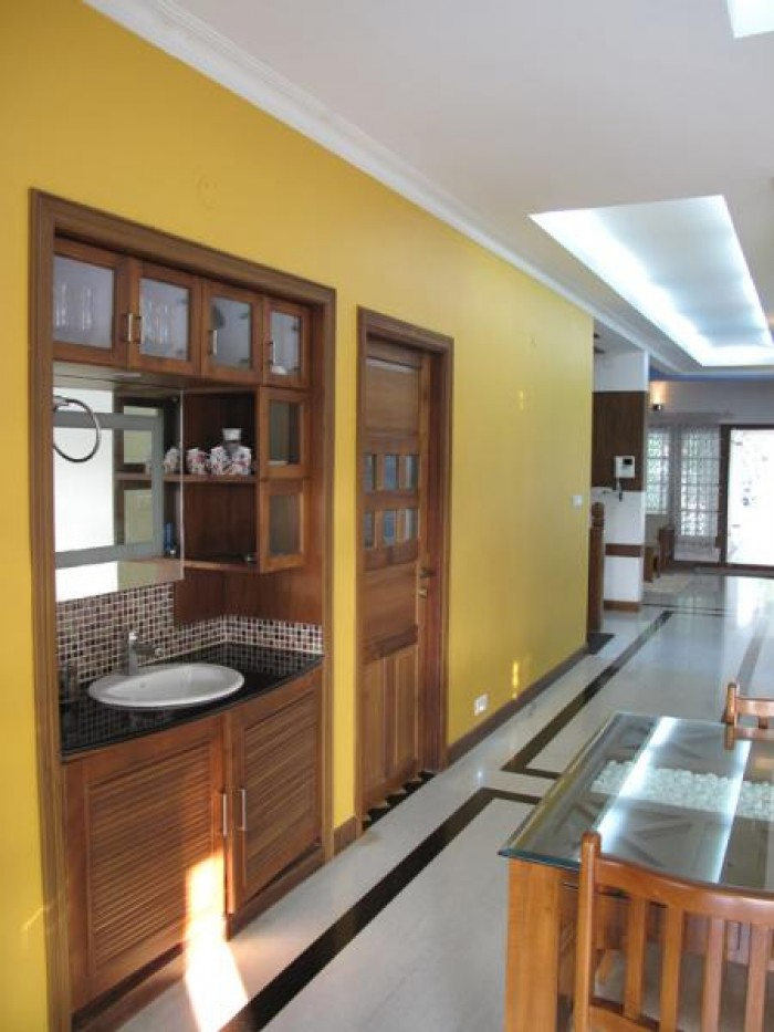 Dining Area With Wash Counter