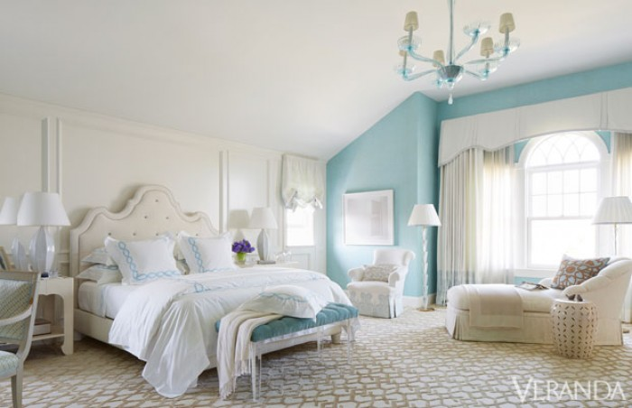 White and turquoise bedroom decorating idea for Turquoise bedroom decor