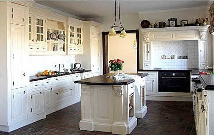 Ghar360 home design ideas photos and floor plans for Edwardian style kitchen