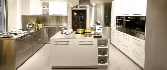 Kids rooms decorating idea for Stainless steel modular kitchen designs